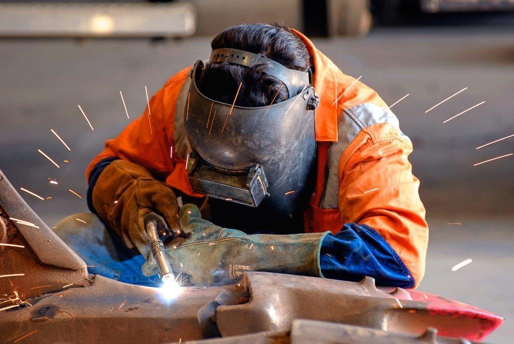 تعمیرات آهنگری در بازسازی ساختمان