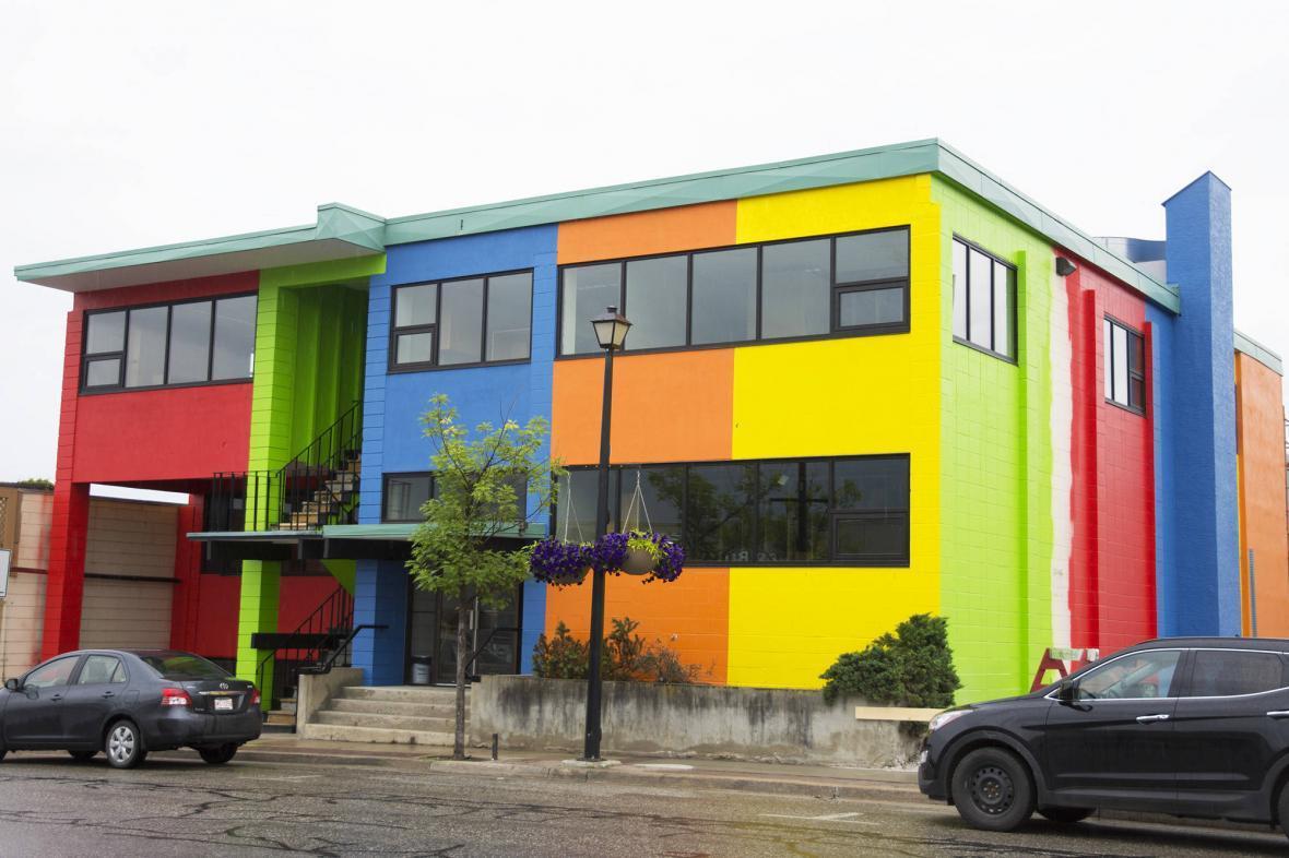 خنک کردن ساختمان ها با پوشش رنگی جدید ، کولر ها به تاریخ می پیوندند