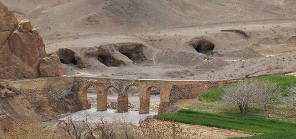 بازسازی کهن ترین پل آب رو ایران به دست جهادگران میراث