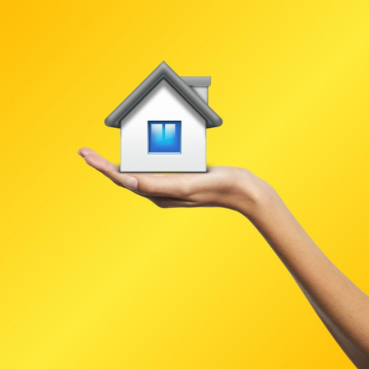 مراحل مختلف بازسازی خانه