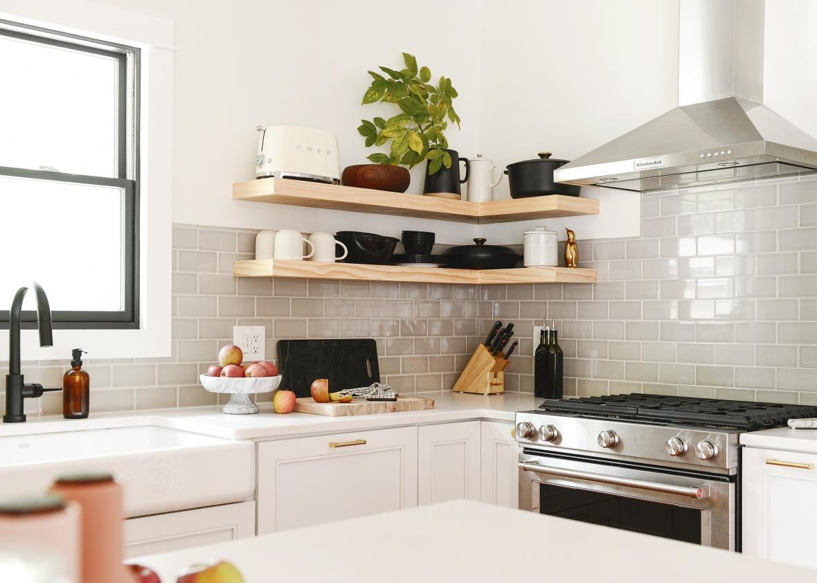 کاشی کاری در بازسازی آشپزخانه