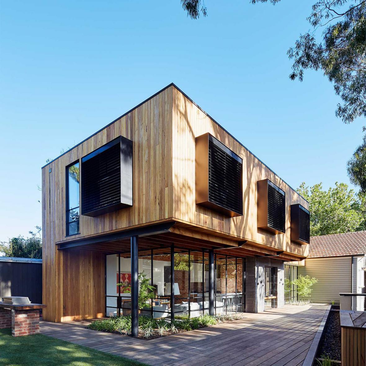 نکاتی در مورد بازسازی خانه چوبی