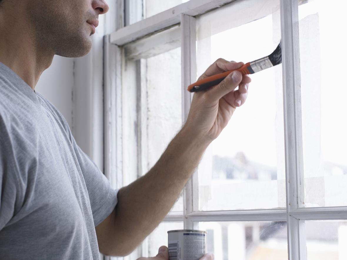 نقاشی پنجره ها در بازسازی ساختمان