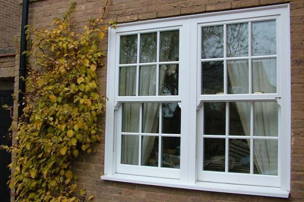 پنجره دو جداره upvc چیست؟ (مزایا، معایب، انواع)